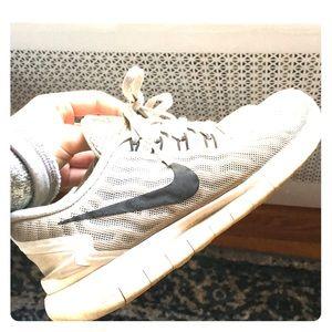 Nike running 5.0 sneakers